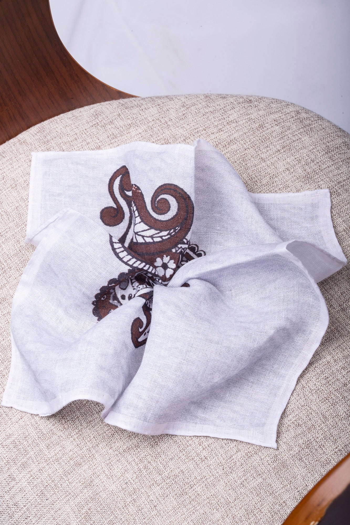 White and brown printed linen pocket square  - Made in Italy