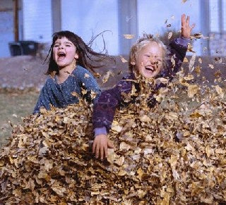 Kids-playing-in-leaves