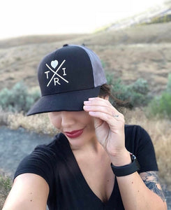X Heart hat in black/charcoal with rose gold(snapback)