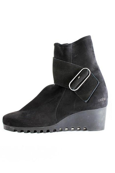 ARCHE NUBUCK RUBBER WEDGE SIDE ZIP BLACK BOOTS LARUNE - Lizardfashion