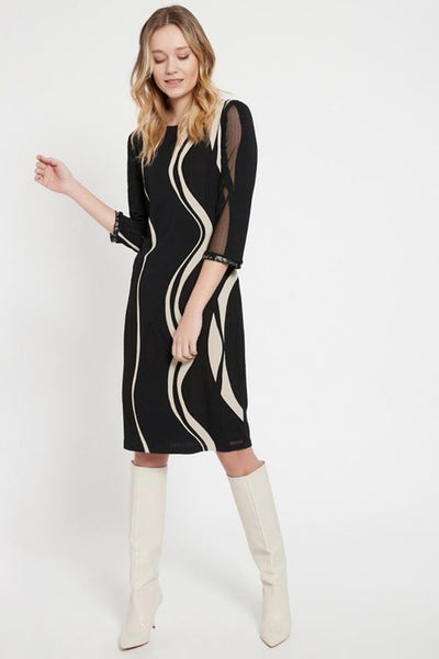 ANA ALCAZAR BOAT NECK WAVE HALF SLEEVE SHAPED DRESS 048164.2989-910