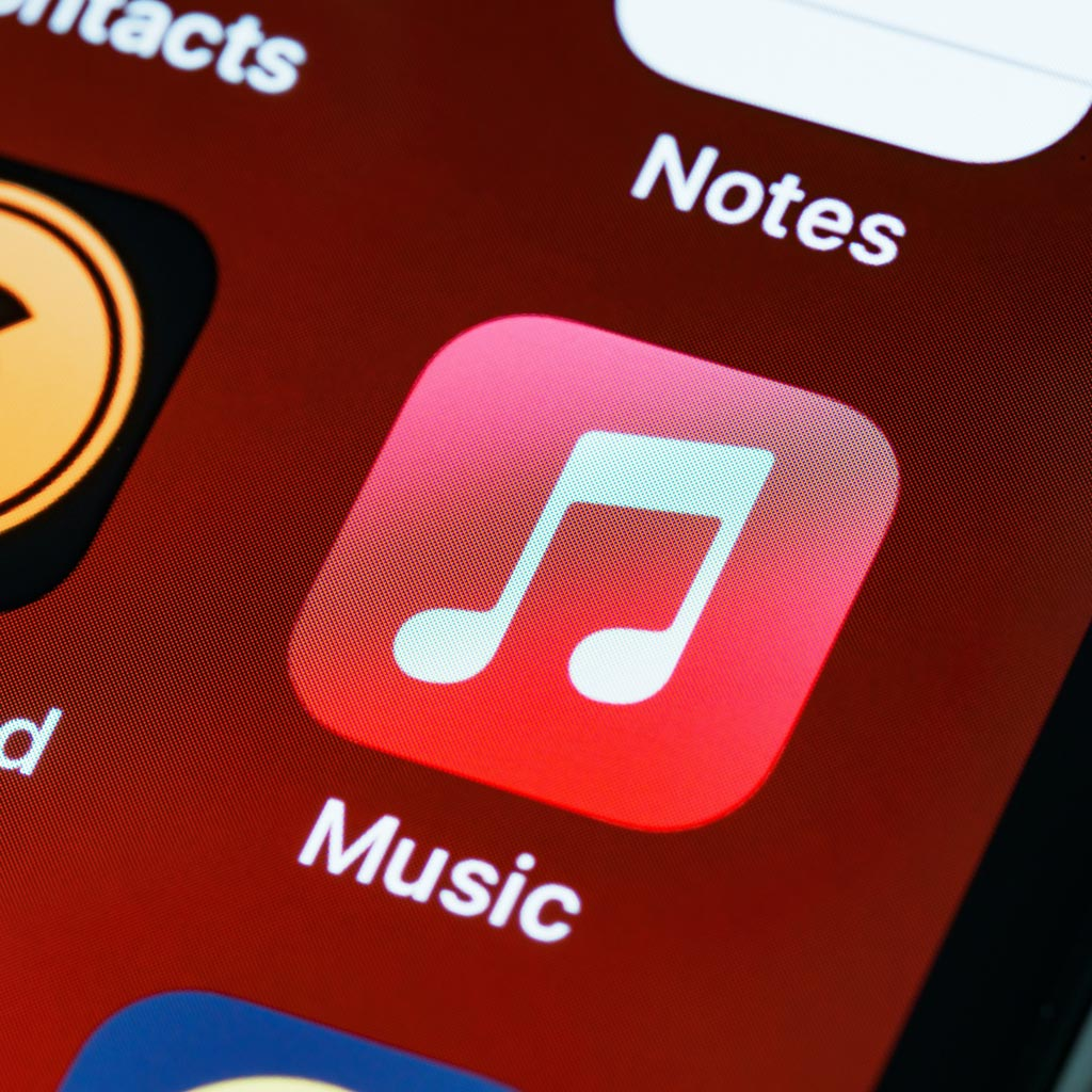 7 Apple Music Playlists For The Golf Course