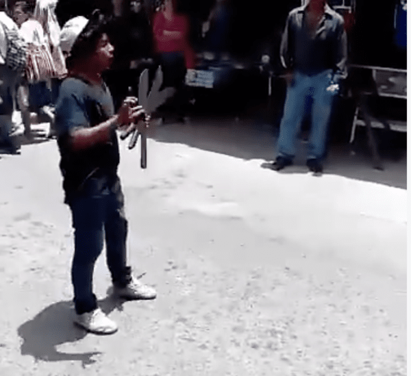 Unico Video Viral de Malabarista en Mexico!