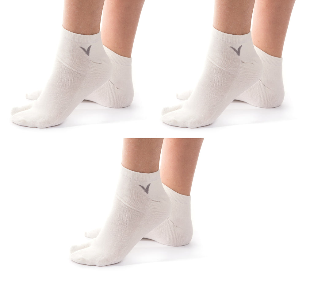4566c3bc59d844 3 Pairs V-Toe Flip-Flop Tabi Big Toe White Ankle Socks Comfortable Stylish