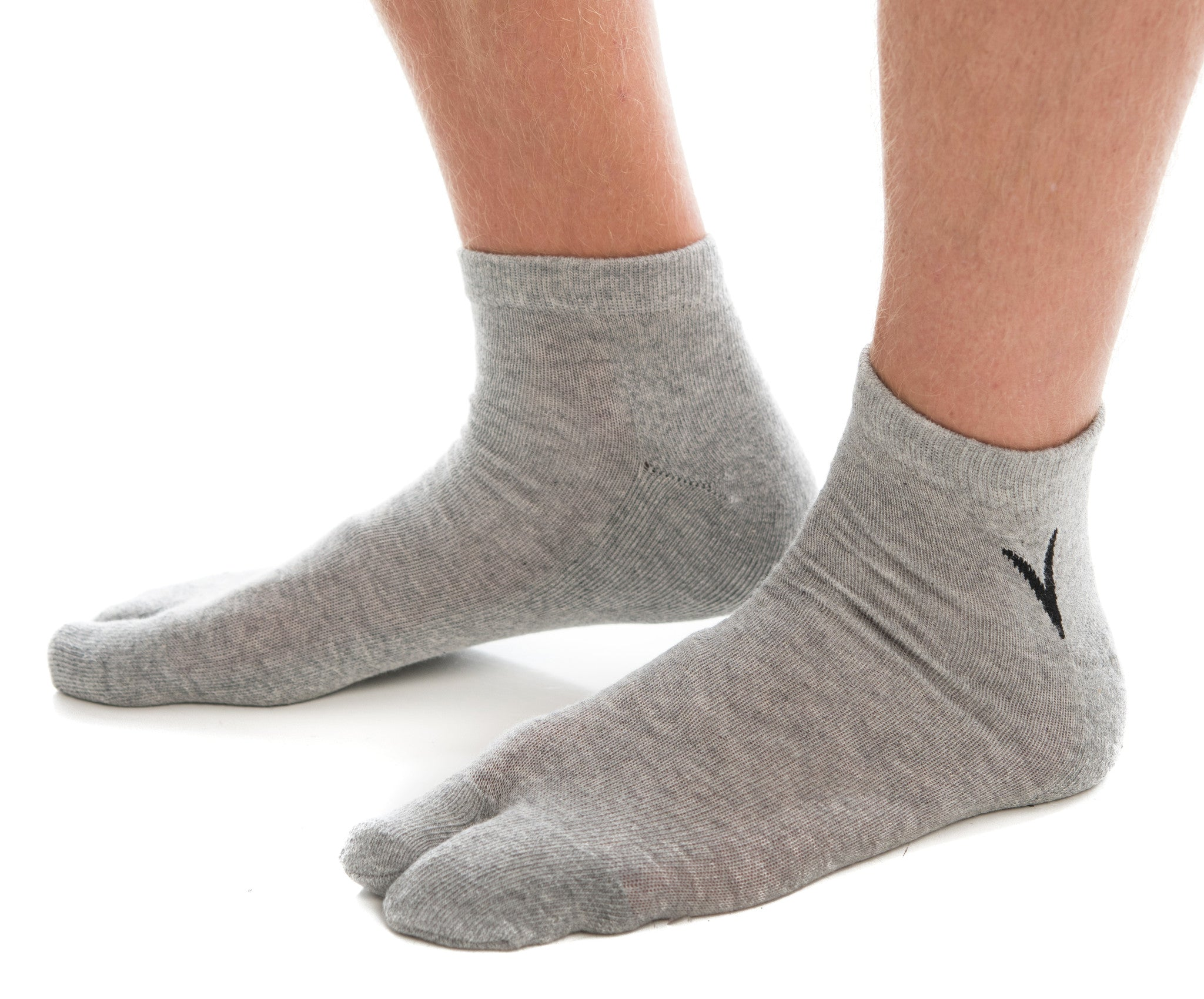 1 Pair - V-Toe Athletic Ankle Height Flip Flop Tabi Big Toe Socks - Black, Grey or White