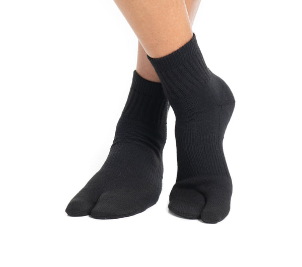 Black Wool Casual V-Toe Flip-Flop Tabi Big Toe Socks