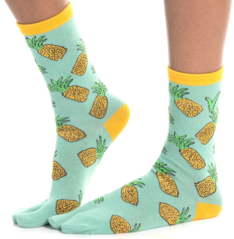 1 Pair - V-Toe Flip Flop Tabi Socks - Pineapple