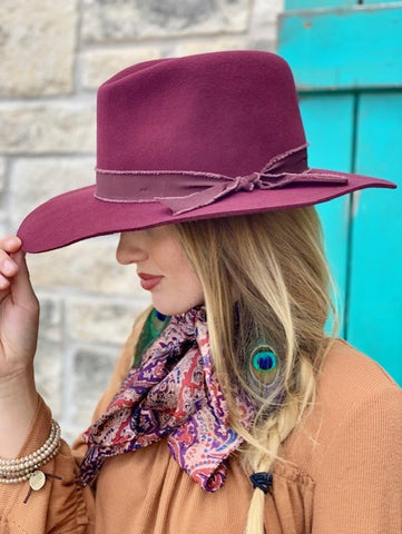 Ladies Burgundy Felt Hat
