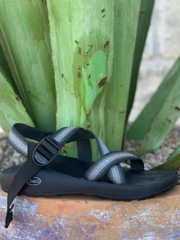 Men's Classic Z1 Chaco Sandal single black & gray strap  - J105961