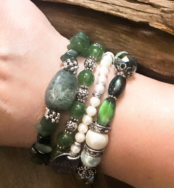 Soft Clover Gemstone Stretch Bracelet