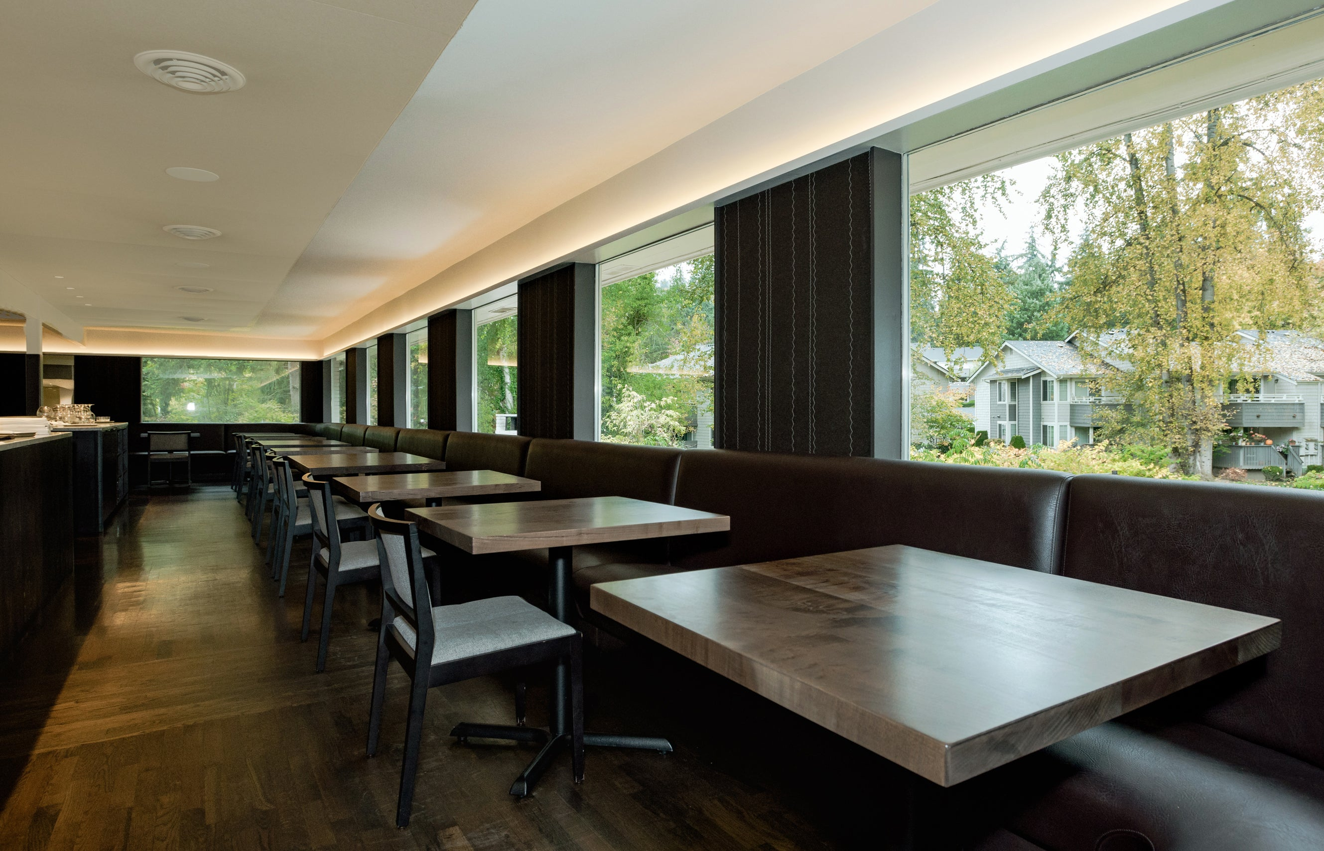 wood tables for dining restaurants