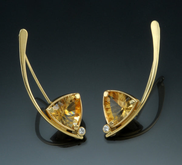 18K Yellow Gold Wishbone Earrings Set With 11mm Trillion Citrines