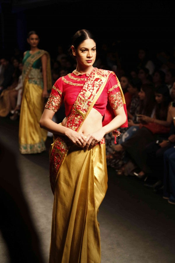 new-trend-of-draping-saree