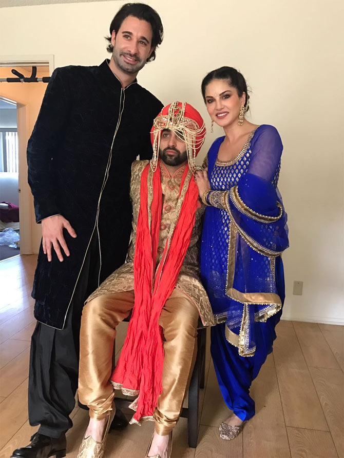 sunny-leone-images-in-her-brothers-wedding