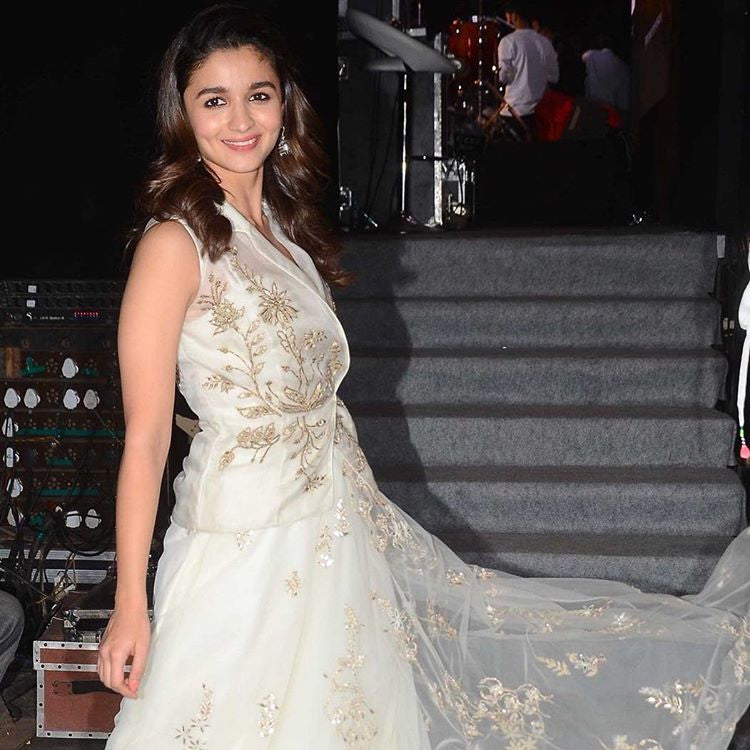 Alia Bhatt in Designer Anita Dongri's White Indowestern Dress at Badrinath ki Dulhania movie Promotion