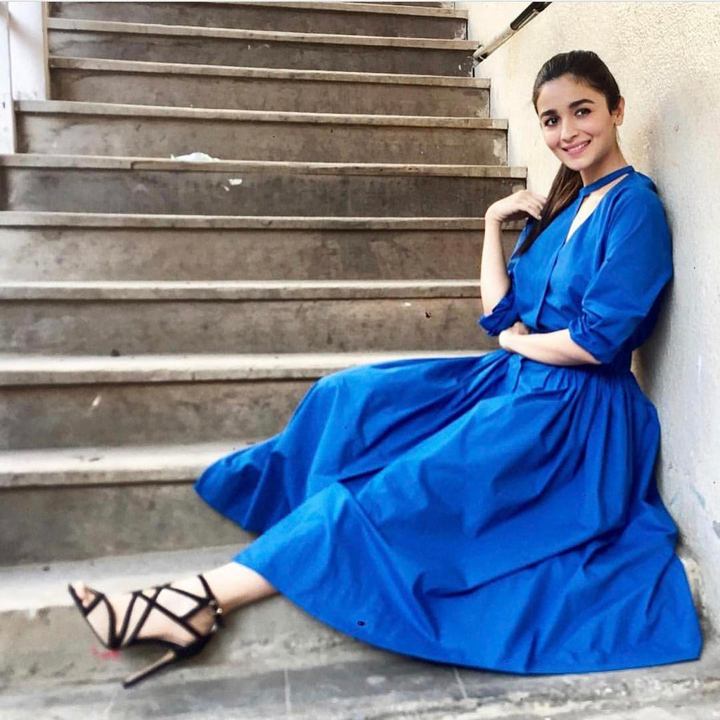 Alia Bhatt in Love Birds SS17 Collection blue midi dress at Badrinath Ki Dulhania promotion