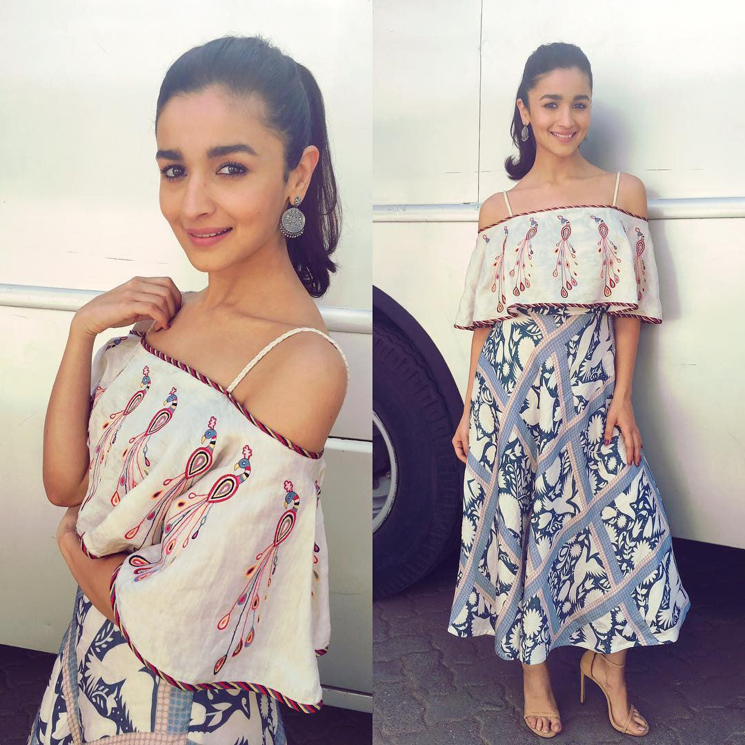 5a1c46d48b9 Alia Bhatt in Looked Charming in Swati Vijay Vargie s Designer Off-  Shoulder Crop Top With