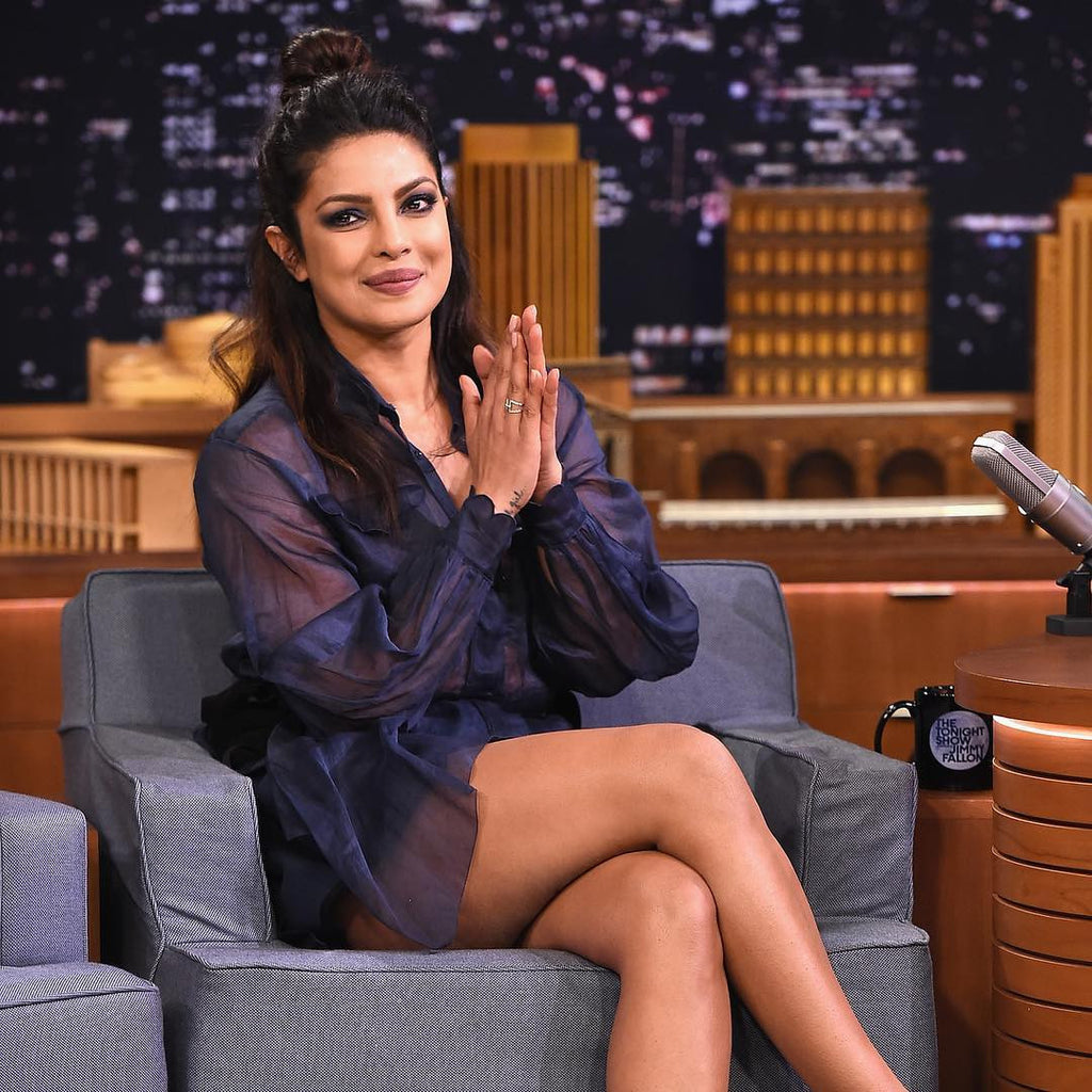 75d020874db Priyanka Chopra in A Fendi Outfit At The Tonight Show Hosted By Jimmy Fallon