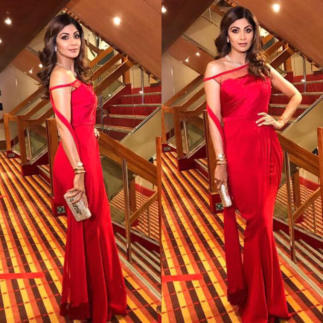 Shilpa Shetty in Tarun Tahiliani spring Summer 2017 Collection's Designer Red Saree