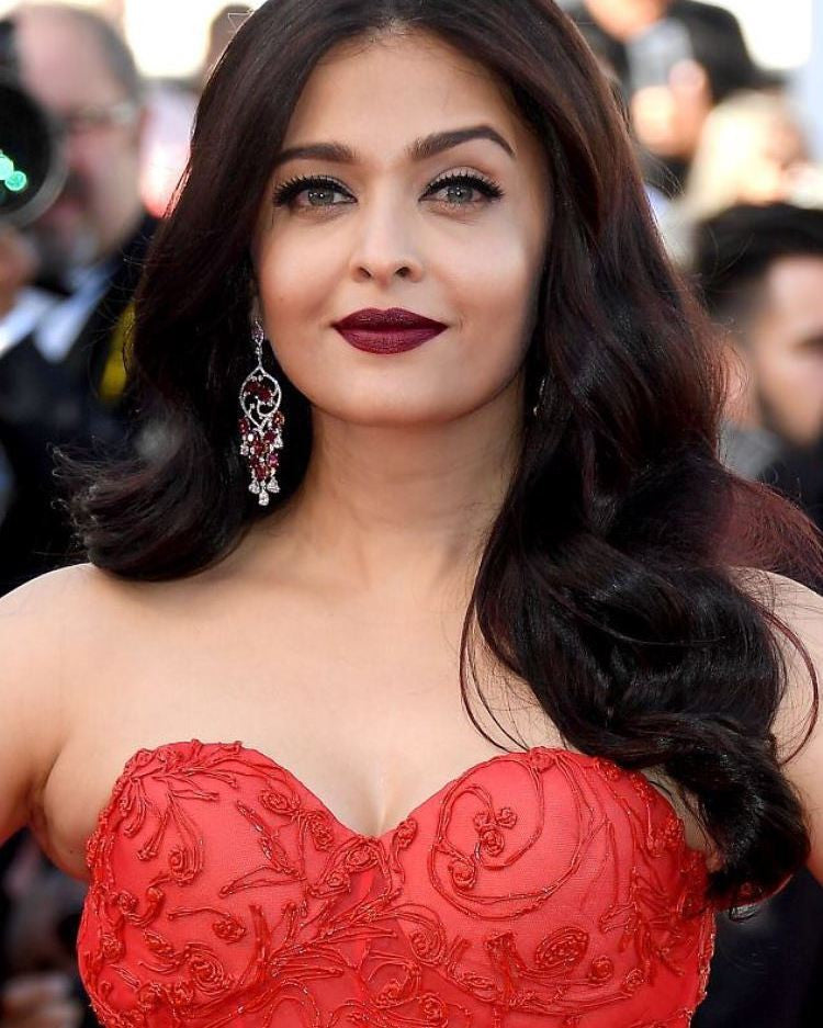 Aishwarya Rai Bachchan Looked Like A Barbie Doll In Ralph & Russo's Multi-Layered Gown  At Cannes Film Festival