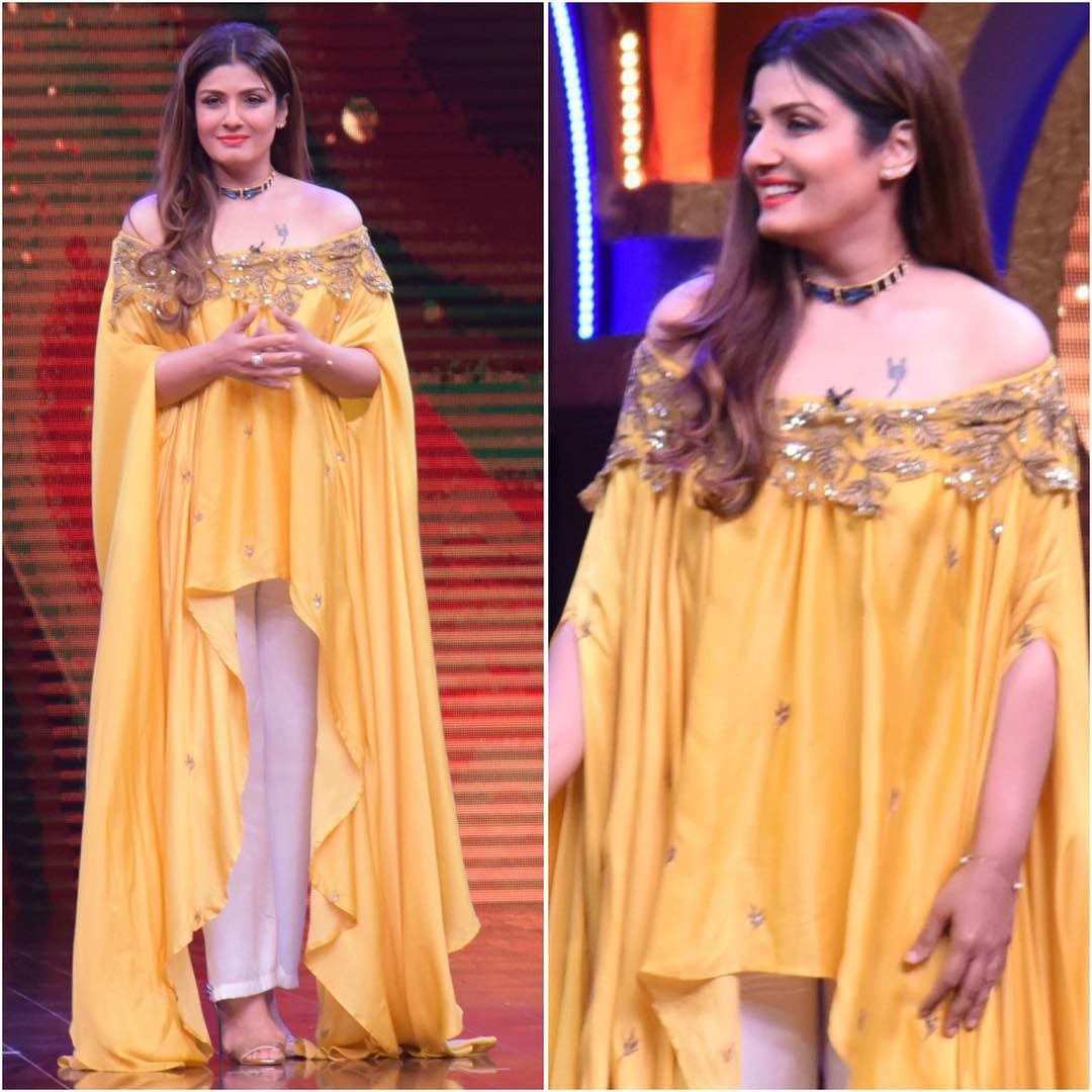 "Raveena Tandon In Looked Pretty On The Sets Of "" Sabse Bada Kalakar"""