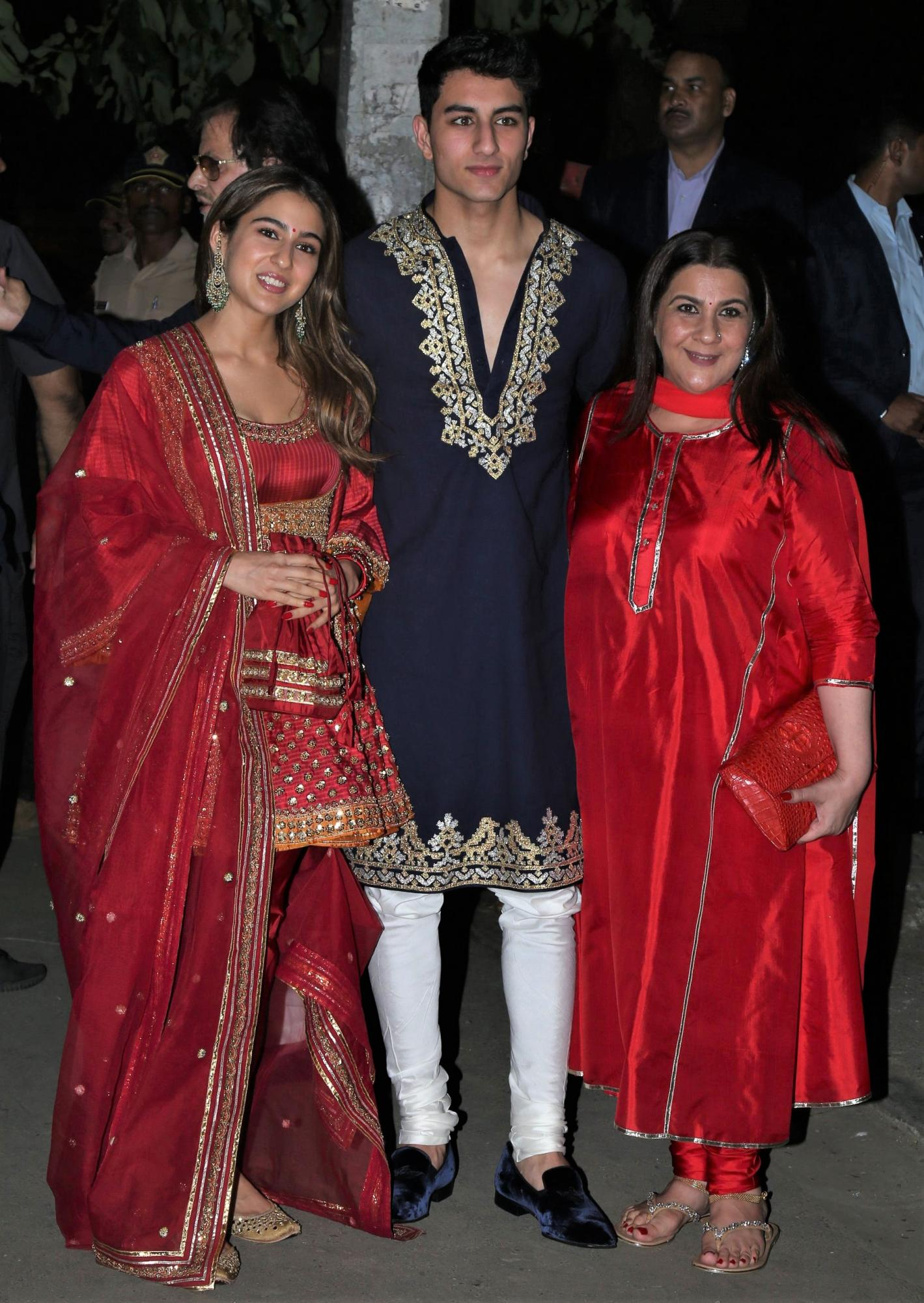 sara-ali-khan-with-brother- ibrahim-ali-khan-and-mother-amrita-singh