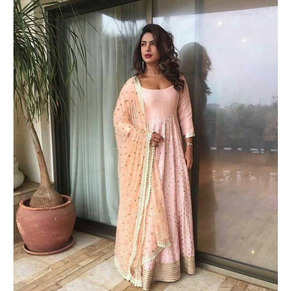 Priyanka Chopra Looked Ravishing In Her Latest Indian Festive Look