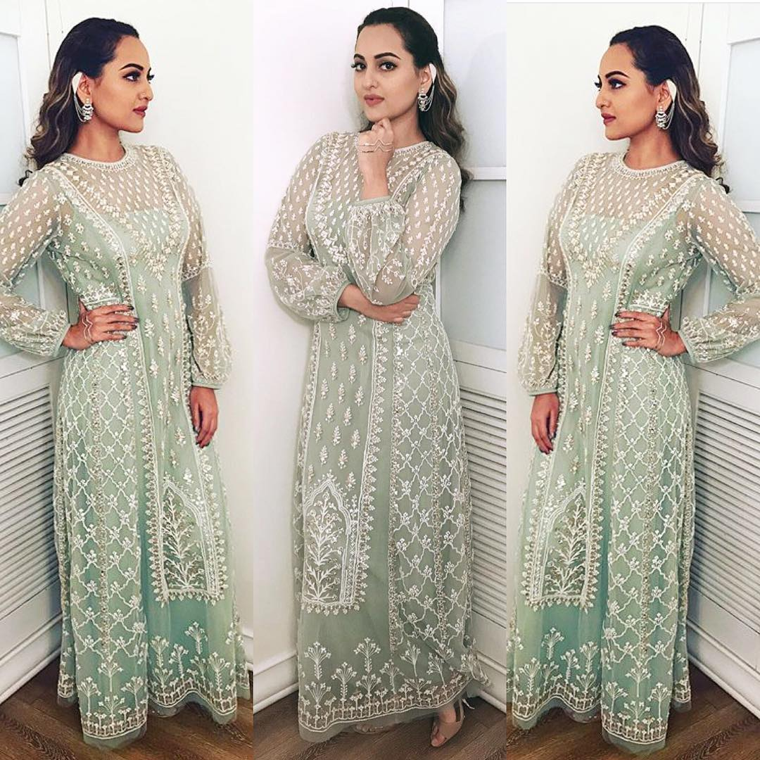 Hit Or Miss: Sonakshi Sinha's In Beautiful Ethnic Outfit On The Sets Of Om Shanti Om