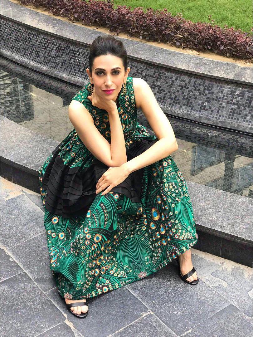 We Bet You've Never Seen A Beautiful Peacock Fashion Look Than Karisma Kapoor's!
