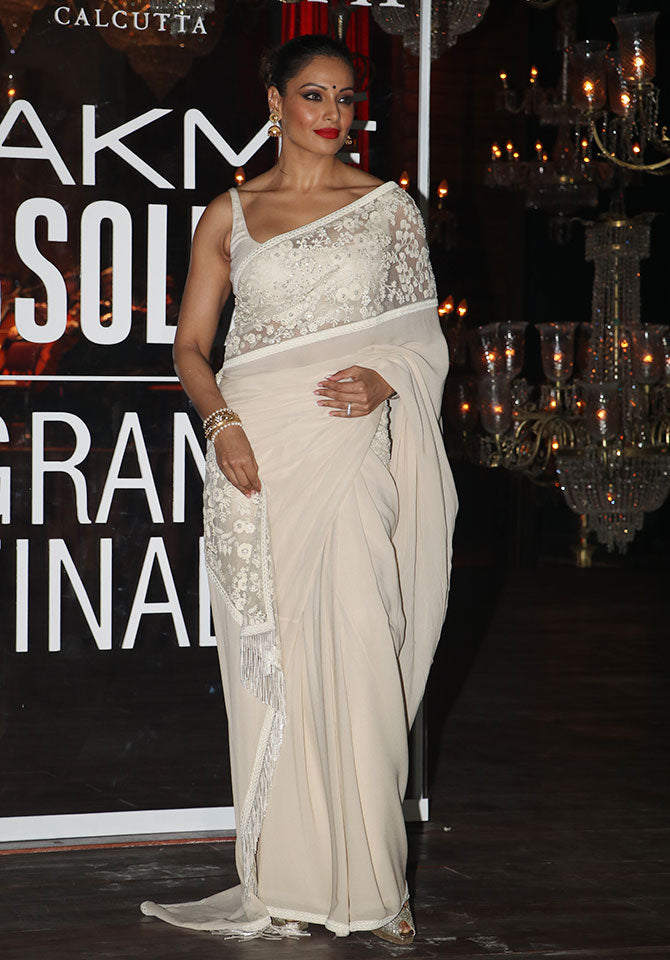 kangna-in-designer-hot-saree-in-lakme-fashion-week-2016