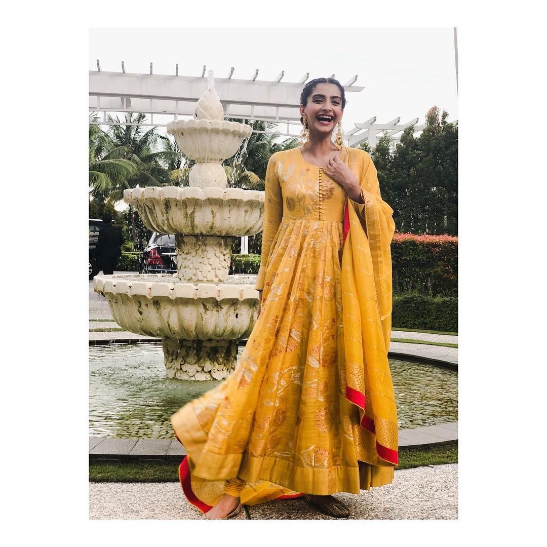 Sonam-Kapoor-in-Bright-Yellow-Anarkali-From-Designer-Gaurang-Shah's-Collection