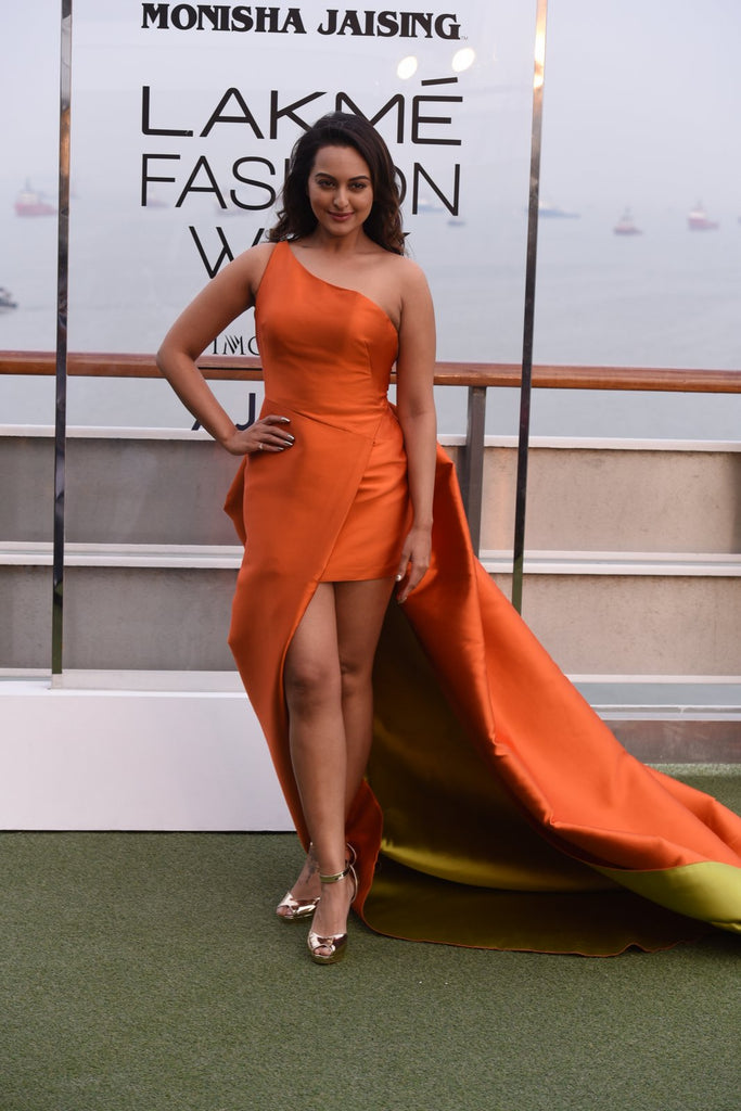 Sonakshi Sinha Looking Gorgeous in A Orange Monisha Jaising's Gown, At The Lakme Fashion Week 2017