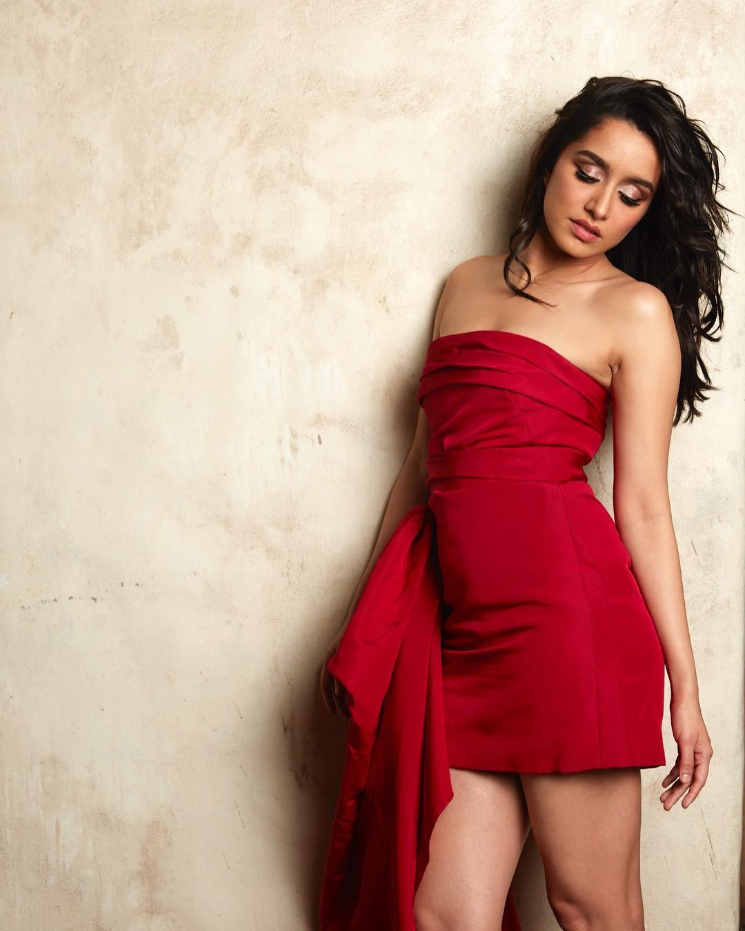Shraddha Kapoor in Reem Acra's Red Mini Dress
