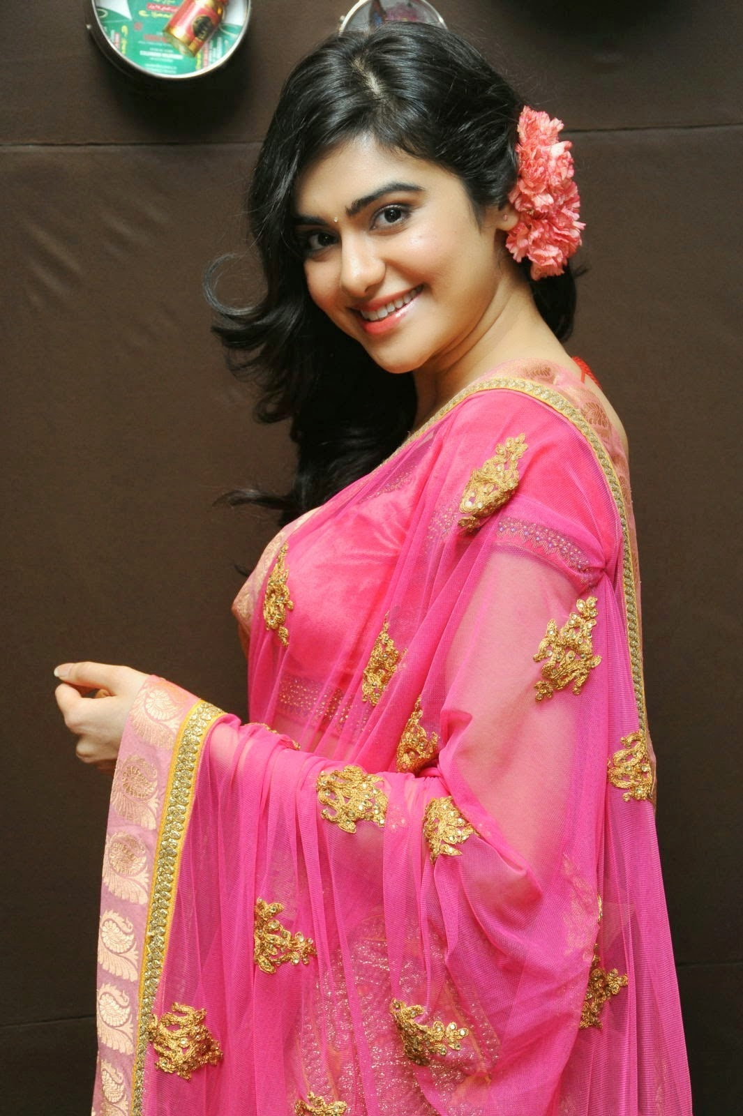 Adah-Sharma-in-pink-Saree