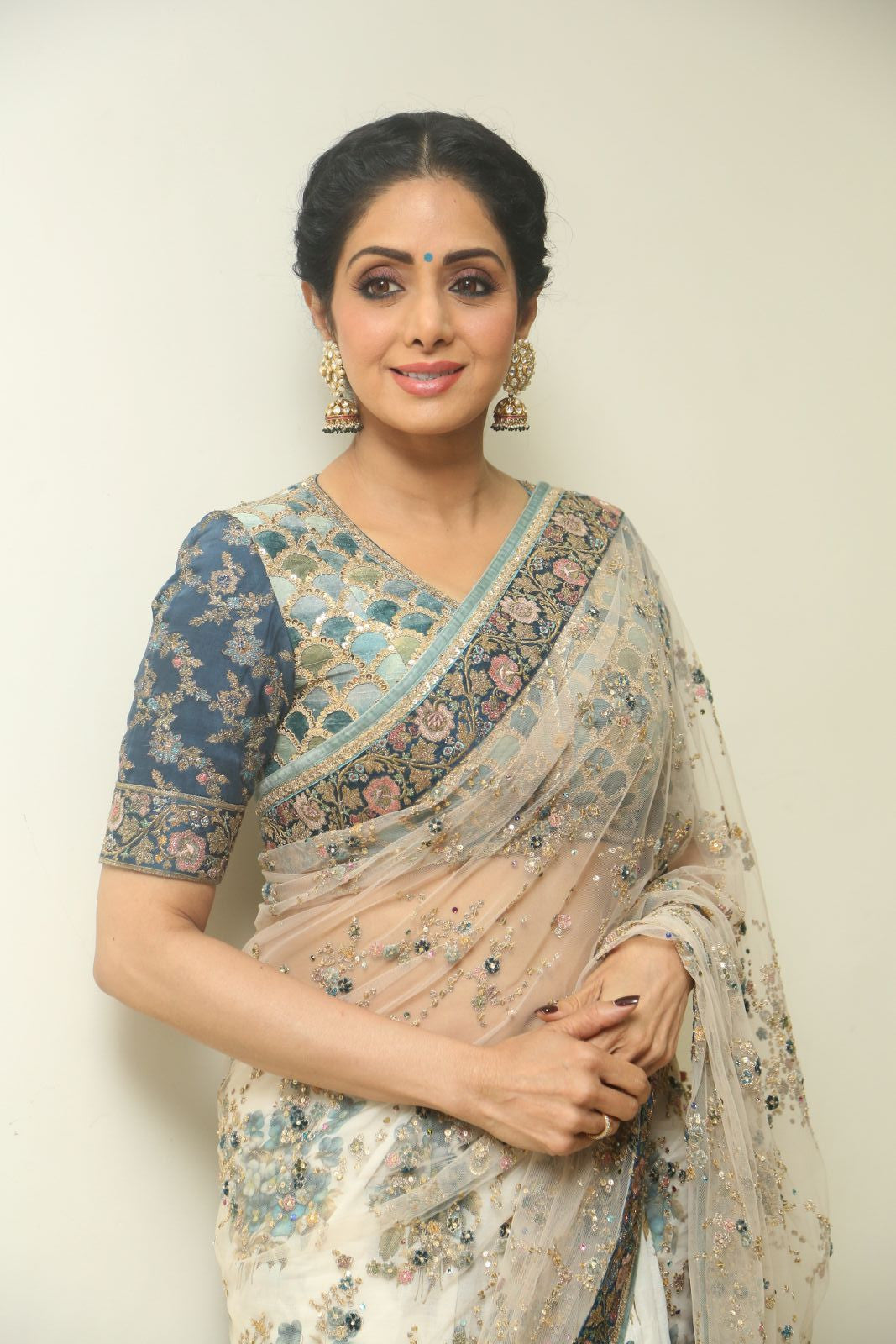 Sridevi Looked Beautiful Deshi diva in Sabyasachi sari