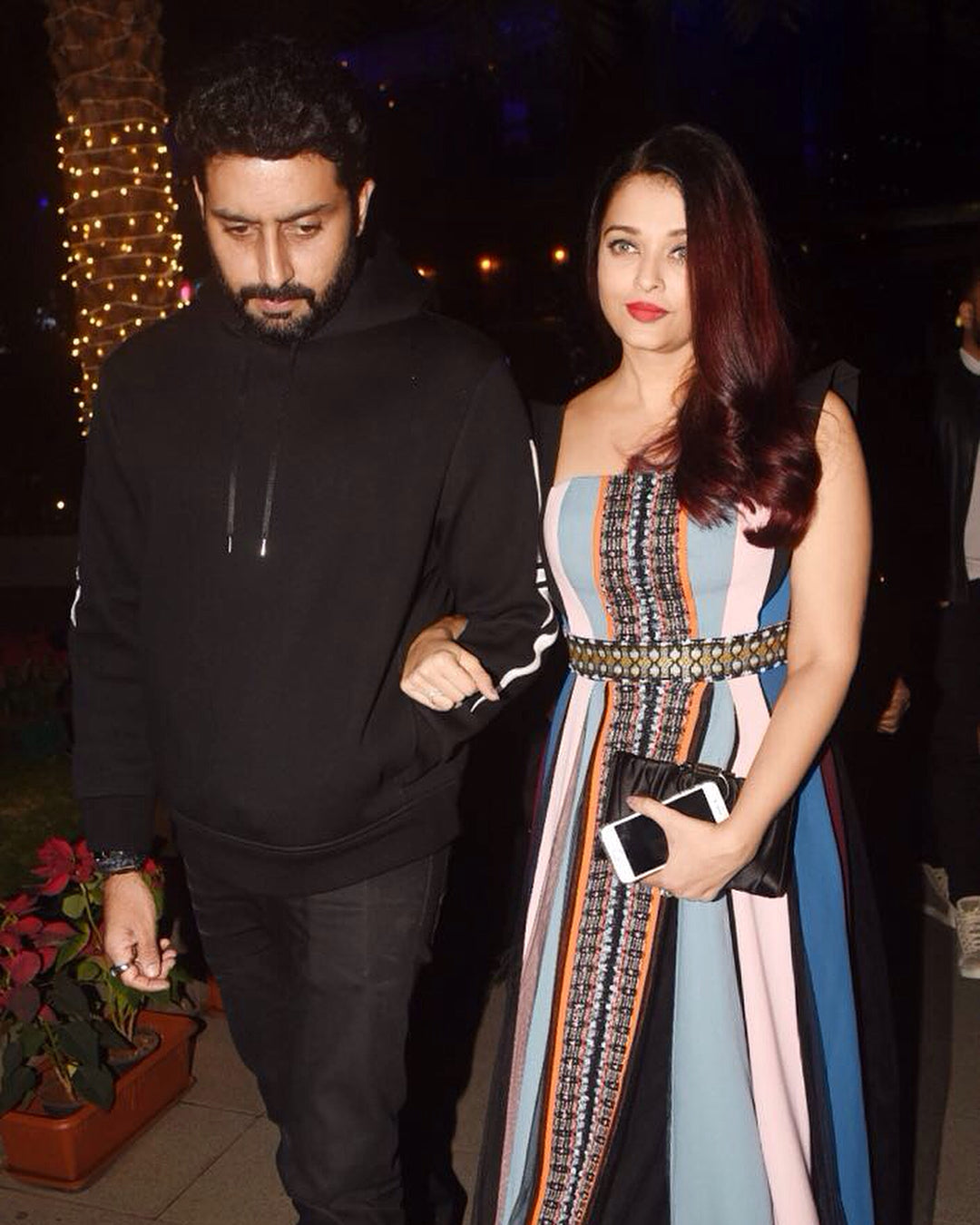 Aishwarya Rai Bachchan Proved Us Bold Red  Lip Will Give You Perfect Party Ready Look