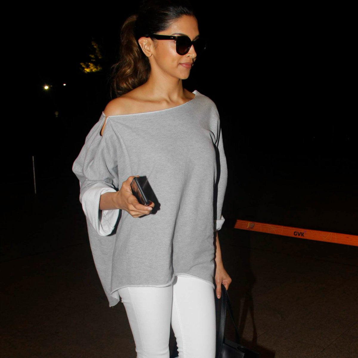 Deepika Padukone Was Spotted At JFK Airport