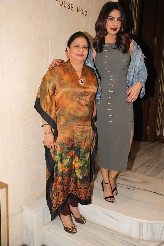 priyanka-chopra-with-her-mom