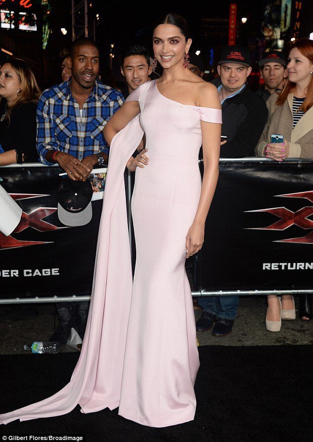 Deepika Padukone Looks Gorgeous at The LA Premiere Of xXx Return Of Xander Cage