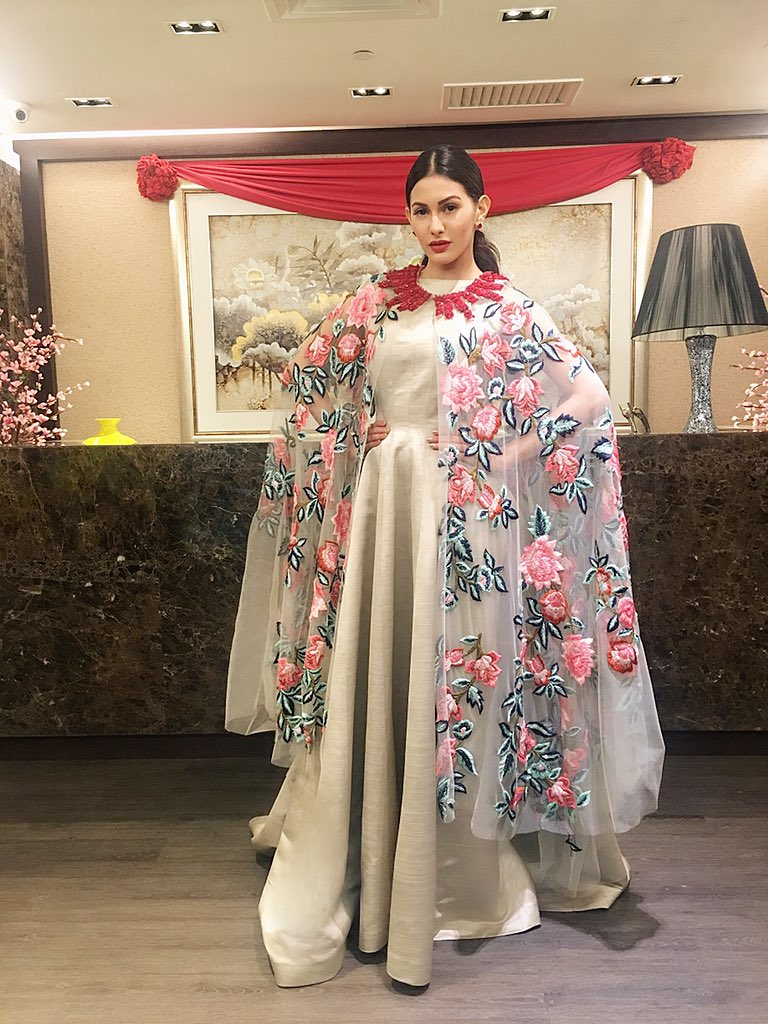 Amyra Dastur in fashion designer manish malhotra's designer dress with printed cape