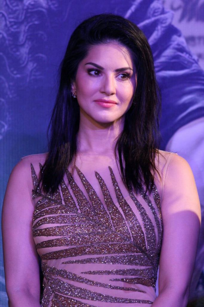 Sunny Leone Looks Super Sexy in a Light Pastel Dress at The 'Raees' SUCCESS BASH !!