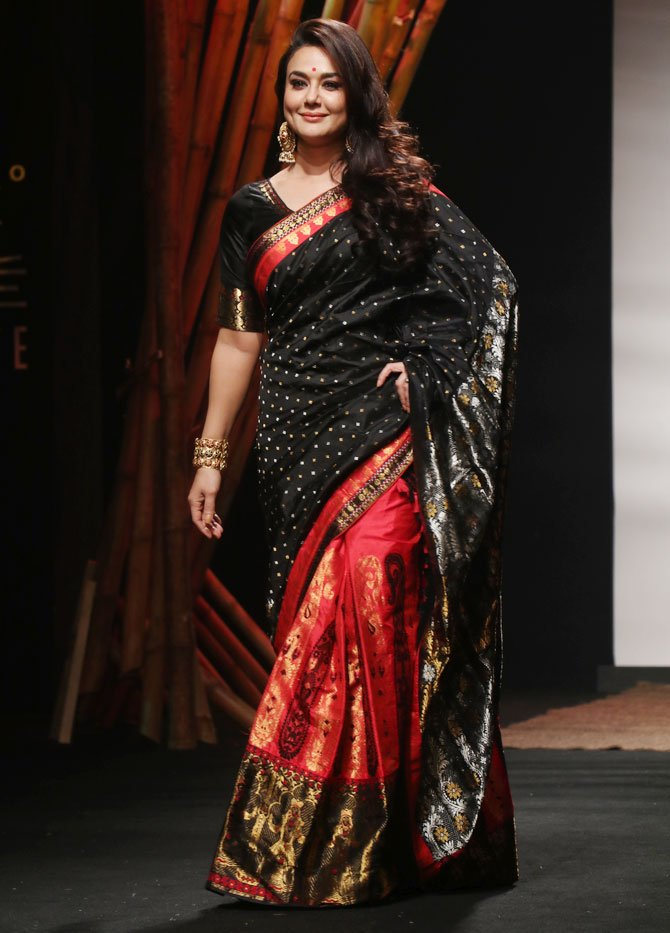 Preity Zinta At Summer Lakme Fashion Week 2017 in Designer Bnaanrasi Silk Saree Handloom art Silk Saree Sanjukta Dutta