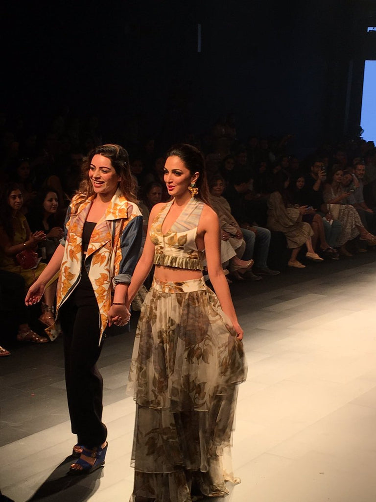 Lakme Fashion Week 2017 Kiara Advani walked on ramp in designer printed georgette dress from Farah Sanjana