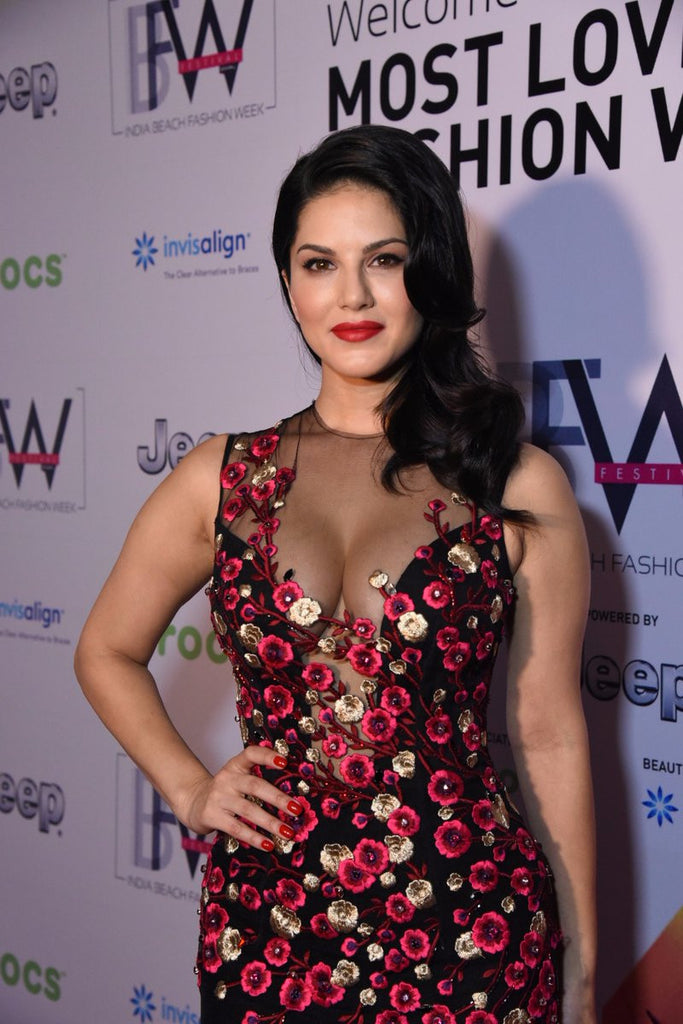Sunny Leone  Walked The Ramp For  Swapnil Shinde at IBFW 2017