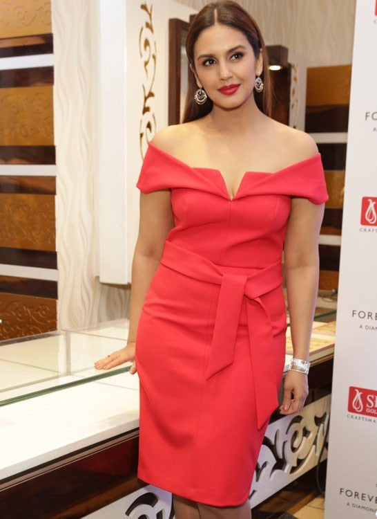 Huma Qureshi Looked Fabulous In Hot Red Dress From Forever New