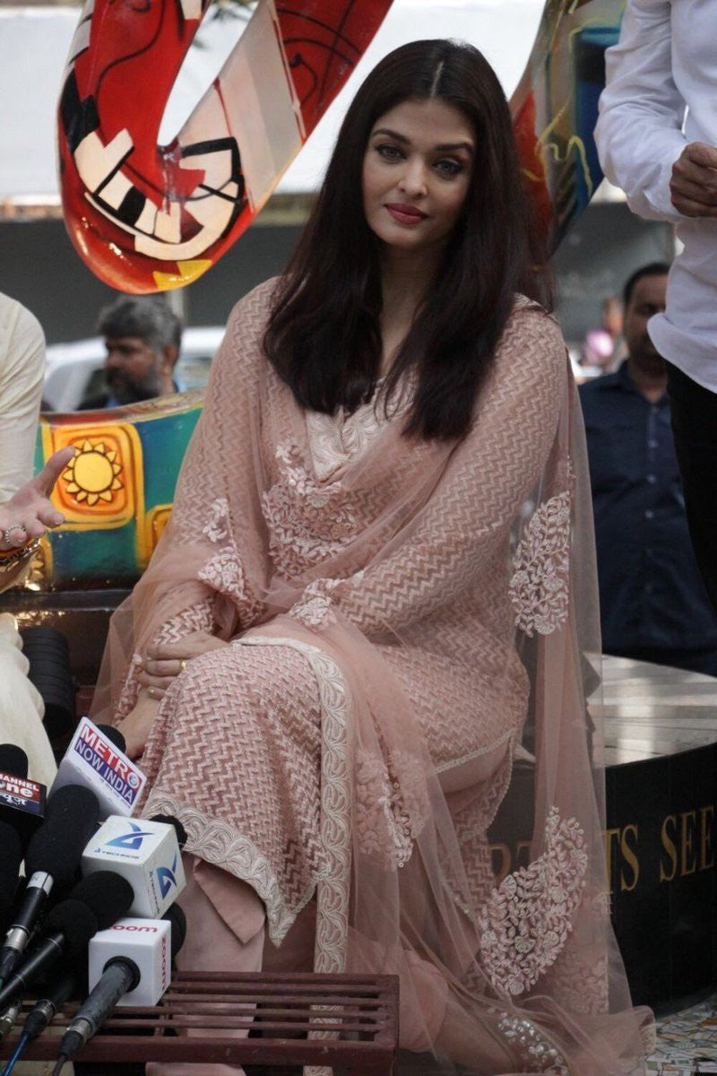 Aishwarya Looked Looked Like A Pretty Deshi Diva In Pale Pink Salwar Suit By Sabyasachi