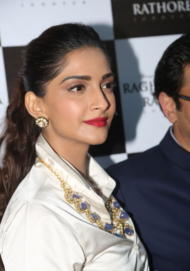 sonam-kapoor-latest-fashion-images