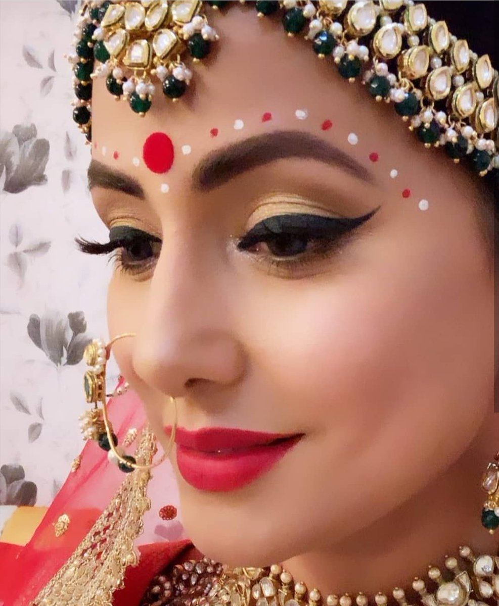 Hina Khan aka Komolika's Bengali bride look from Kasautii Zindagii Kay 2 is Extreamly Beauitful