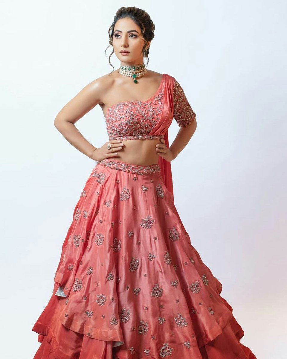 Bombay-Times-Fashion-Week:-Hina-Khan-in-Peach-Colored-Lehenga-Choli