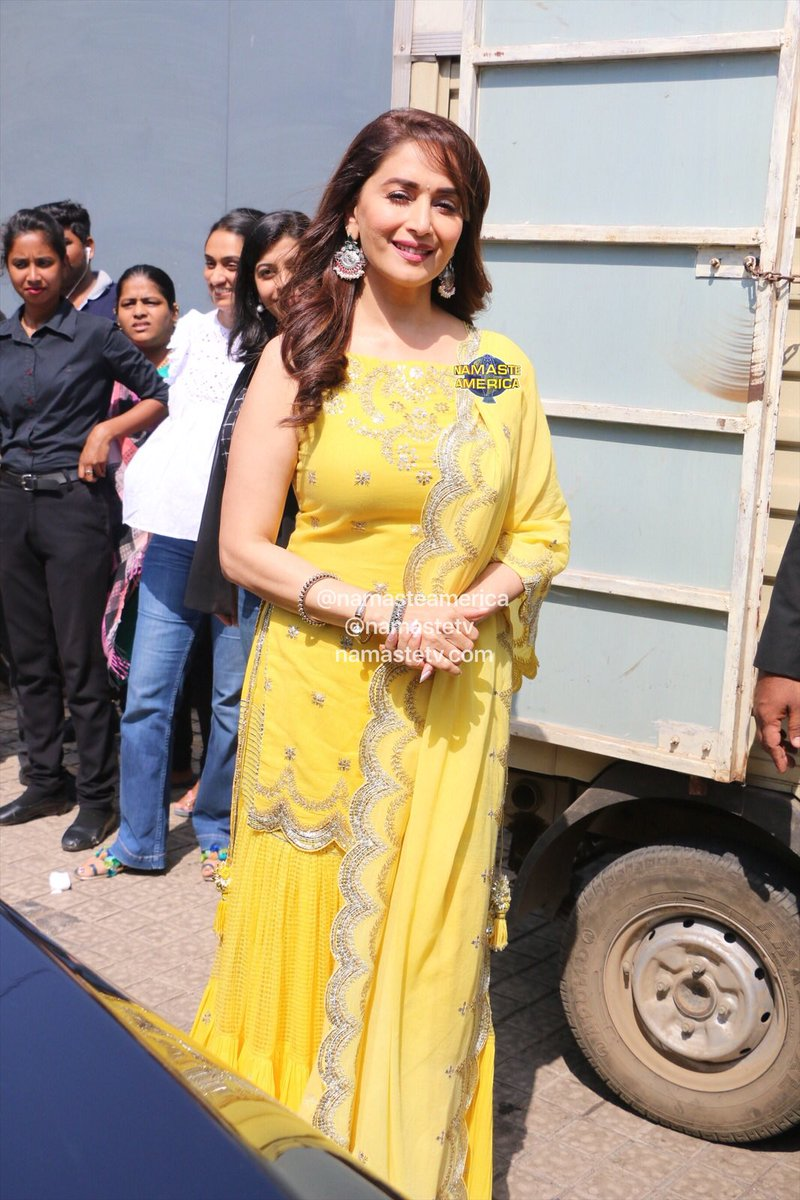 Madhuri Dixit Looks Like a Sunflower at The Trailer Launch of her Upcoming Film Kalank